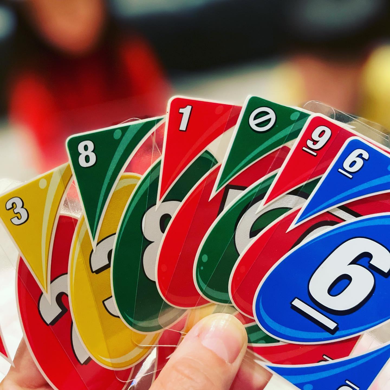 緊急事態宣言の遊び。カードゲームリターン。新しいUNO!ジャーナルはワクワクを大事に。ワクワクを作り出す。どんな時もワクワクがあちこちにある。辛さは夢と表裏一体な存在。複雑化は簡単、大事なのはシンプル。ワクワク、目はキラキラ。そんな時をかさねましょう。#振り切る力 #ワクワクできる人生 #楽しめてるか #ベルマーレ!?#湘南ジャーナル社#湘南ジャーナル社長